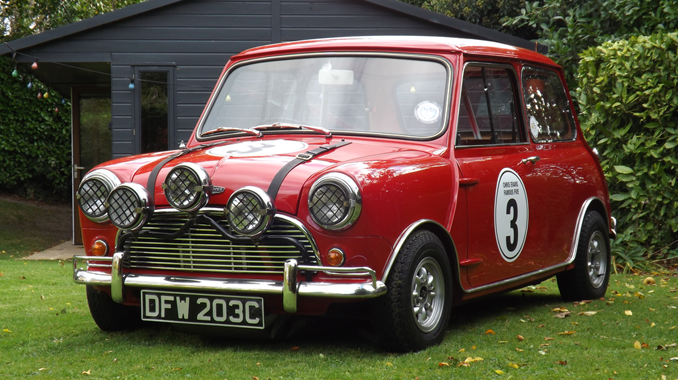 Tis The Season To Be Jolly Italian Job Classic Mini Goes Under