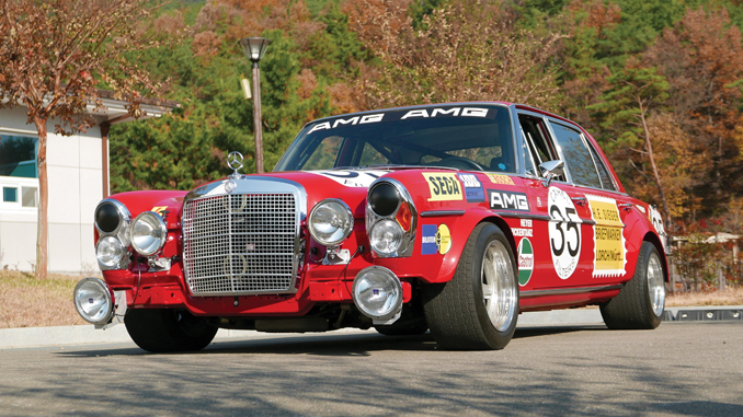 Mercedes-Benz 300 SEL 6.3 'Red Pig' re-creation