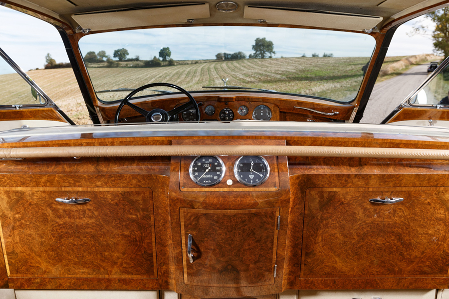 Rolls-Royce Phantom V Limousine James Young