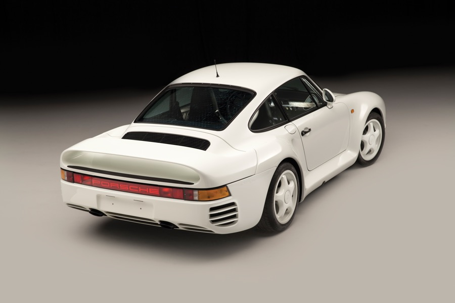 Porsche 959 - The German Speed Warrior